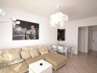 Two bedrooms & two bathrooms apt. 86 in Benimar, Playa de Fanabe