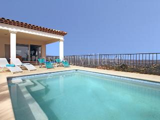 6290 - Beautiful villa with panoramic views