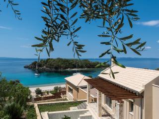 The Luxury Seascape Villa with private pool, Igoumenitsa