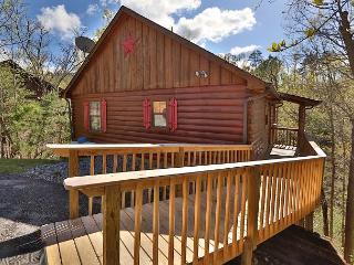 Just Hanging Out a three bedroom cabin., Pigeon Forge