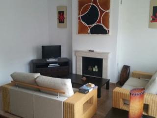 Casa Andaluz, 3 bed 3 storey house, Benamocarra