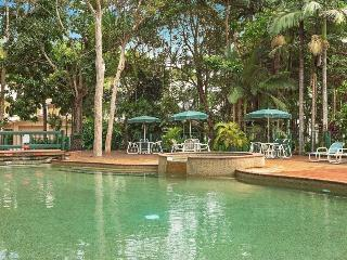 2 Bdrm Unit, Close to city, Free WiFi, Resort Pool, Cairns