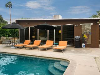 Stunning 3BR Alexander w/ Private Pool & Hot Tub – Featured on Modernism Tour