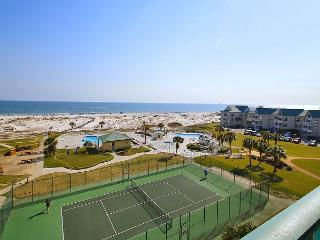 Watch Sunrise and Sunset at a 3BR Gulf Condo with Pools and Gym, Gulf Shores