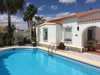 Luxury Private Villa & Pool (3 Bed)