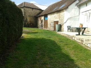 Charming cottage in Perigord sleeps 5, La Coquille