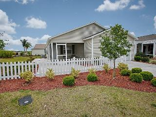 Corner lot patio villa, spacious feeling.Great location in Hillsborough, The Villages