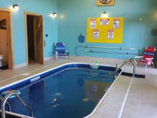 Indoor Heated Swimming Pool & 30 mile view, Pigeon Forge