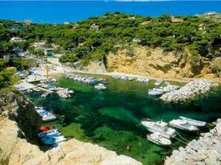 Les Calanques et plages de la Côte Bleue, Ensues-la-Redonne
