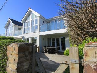 Apartment 1 Moonrakers - minutes from the beach, Mawgan Porth