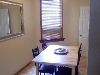 Spacious 1 bdrm apt in trendy Bloordale!, Toronto