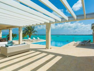 Villa Capri - Modern Luxury Vacation Rental Turks and Caicos 4BR, 4.5 BA, Providenciales