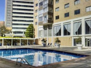 Downtown ATL High Rise with Concierge 2BR 2Bath, Atlanta