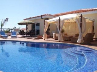 4 bedrooms Villa in Callao Salvaje, City Getaway CS/87