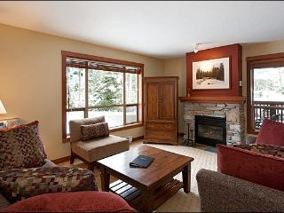 Lush Forest Setting - Tasteful Furnishings & Fine Amenities (4024), Whistler