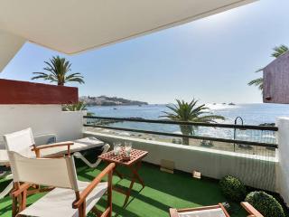 Bonito apartamento frente al mar