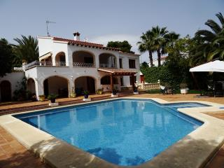 Large Air conditioned villa with designer pool, Moraira