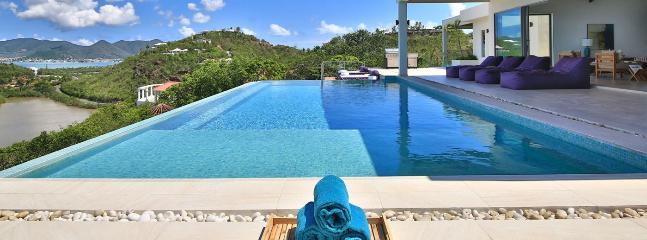 Villa Amandara 3 Bedroom SPECIAL OFFER, Terres Basses