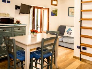 Lovely apt in Old Town - FREE WI-FI, Alghero
