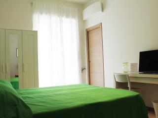 3 COMFORTABLE AND SPACIOUS ROOMS WITH BATHROOM AND FUNCTIONAL FURNISHINGS. EQUIPPED WITH TV AND FREE WI-FI