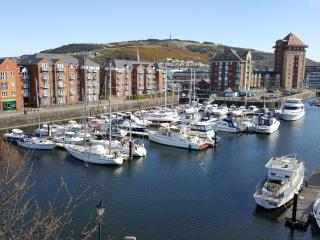 Top floor waterside apartment Swansea Marina