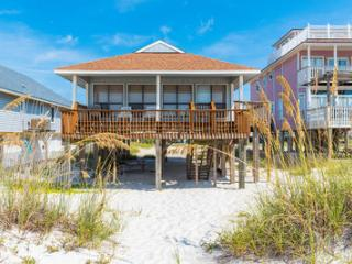 Beach Front Cottage,Huge Views,Covered Deck,Pet OK, Gulf Shores