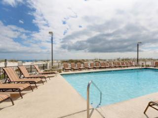 Upgraded Corner Condo, In&Out Pool, Hot Tub, Gulf Shores