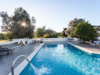 House Villa in Ibiza / 5 DOUBLE bedrooms big pool, Es Codolar