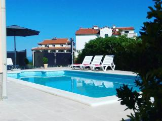 Lovely 50 sq.m Apartment with Pool, Liznjan