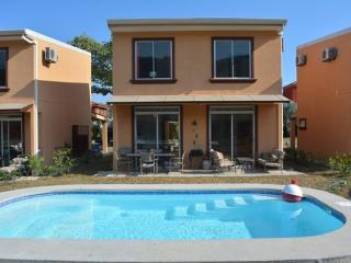 New 3 Bedroom Villa With Pool