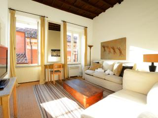 Trevi stylish apartment, Rome