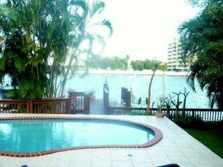 Miami Beach Waterfront Villa Pool & Deck