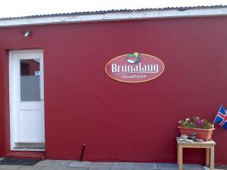 Welcome to Brúnalaug Guesthouse