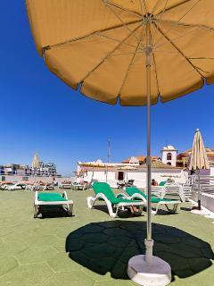 Sun terrace, free sunbeds