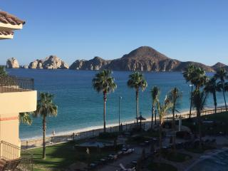 2 BR 3 Bath Oceanfront Villa 4th Floor Amazing Views! 100% Renovated 2016, Cabo San Lucas