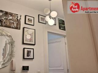 Comfortable 2 Bedrooms Apartment in the Heart of Liege - 7259, Lieja