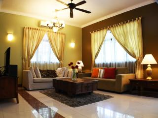 Matahari Residence - Bungalow for 7