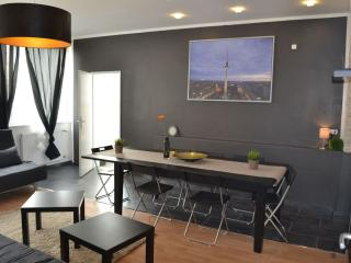 Luxus Kind apartment in Schoneberg with WiFi & lift.