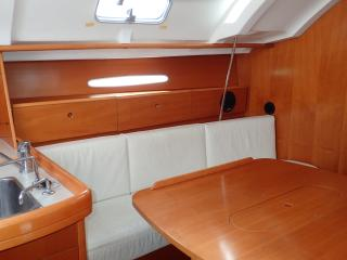 A sailing boat in the heart of Cagliari