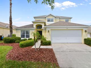 Southern Dunes Retreat - 5 Bed - Close to Disney, Haines City