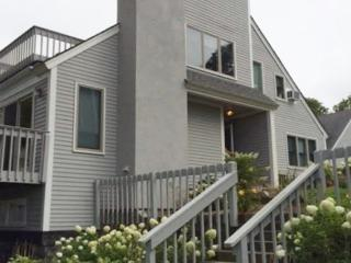 BEAUTIFUL TOWNHOUSE ON THE BAYSIDE OF OCEAN EDGE RESORT, Brewster