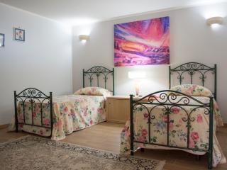 villa di nuova costruzione vicino Gallipoli 4/6 posti letto, box auto, giardino