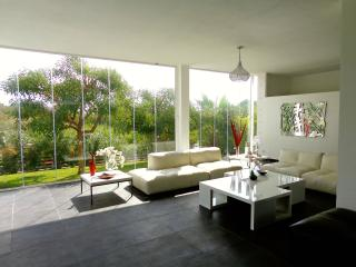 "Villa ""Bliss"" - Luxury Modern Villa in Marbella"