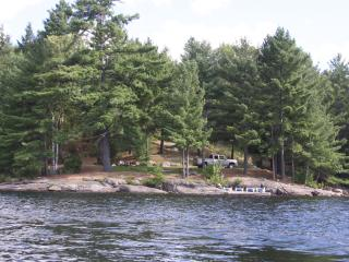 Romantic luxury adult only lakeside cottage, Haliburton