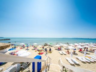Visit Sunny Beach Premier 3-bedroom aparts