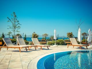 Visit Sunny Beach Prestige 2-bedroom aparts, Nessebar