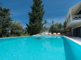Exclusive Idyllic Exclusive Villa Private Pool, Lefkada