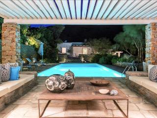 Greek Villas Kea - The Beach House Estate  on the beach with private pool sleeps 12+, Ceos