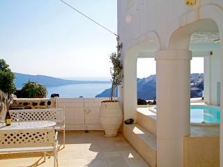Greek Villas - Santorini - White Linen Collection Villa I a unique property  with outdoors jacuzzi &