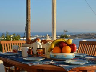 Paros - Gv - Marpissa village house with big rooftop terrace sleeps 6+